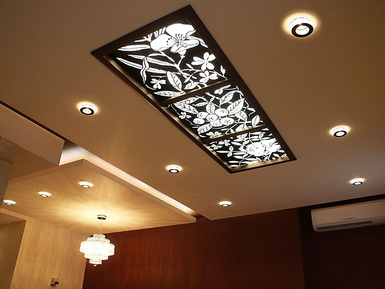 фотография потолочного витража в холловой группе в частном интерьере от IMAGEMAN