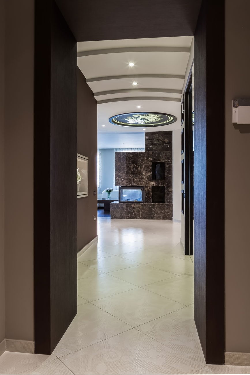 foto vida na kholl ot vkhodnoy dveri v chastnoy kvartire, Yerevan