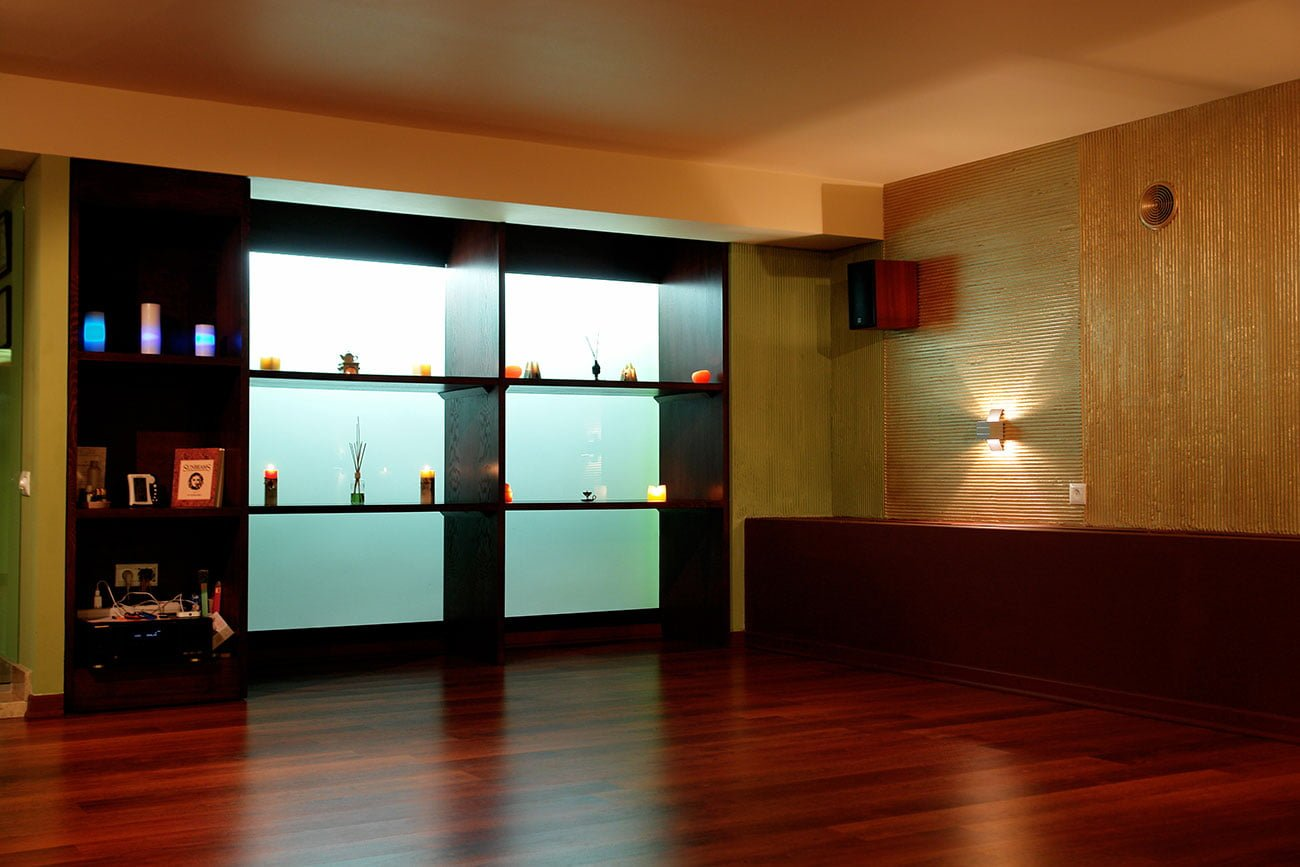 foto zala s dekorom Kitaya shoonch studiya Yogi Pilates SPA DIZAYN studii IMAGEMAN