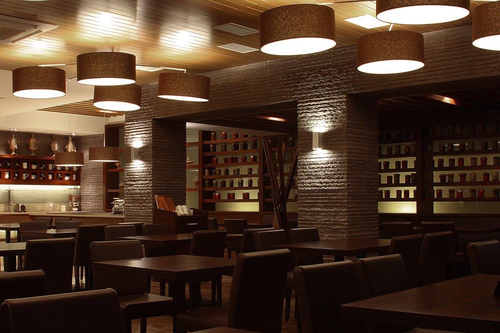 fotografiya inter'yera (rakurs 2) restorana v gostinitse VALLEKS GARDEN, Stepanakert