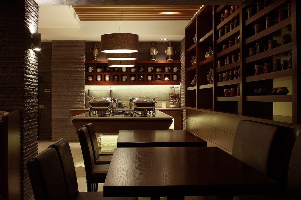 foto inter'yera (rakurs 1) obshchego zala restorana v gostinitse VALLEKS GARDEN