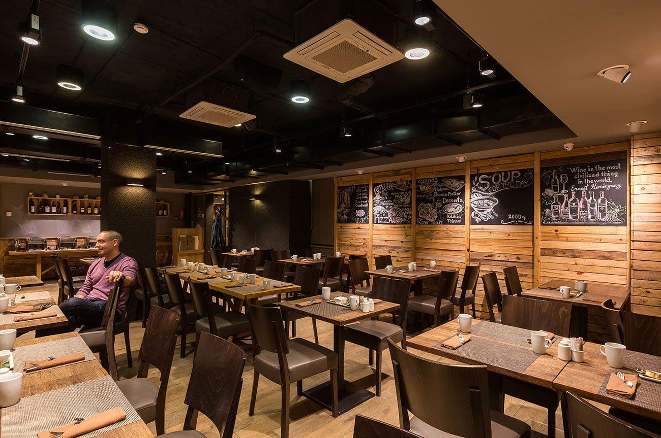 foto inter'yera obshchego zala restorana ANUSH v etnicheskom stile inter'yer IMAGEMAN